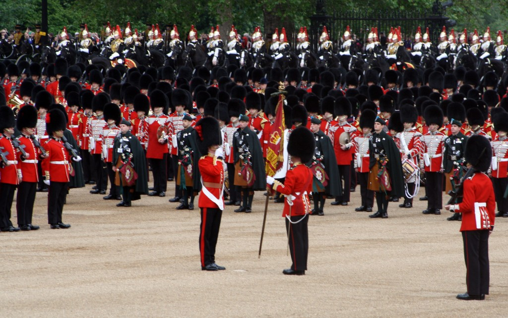 Coldstream Guards receive the 'Colour'
