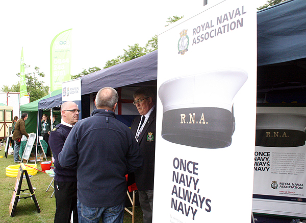 Keith chats to the CO of the Huntingdon Sea Cadets