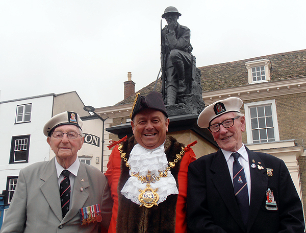 Arctic Veterans Jack Millard and Grove Dove with the Mayor of Huntingdon, Councillor Bill Hensley