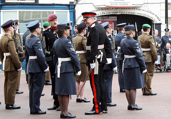 Brigadier Davies and Deputy Lord Lieutenant inspect the Guard