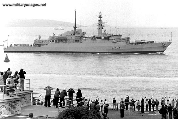 HMS Alacrity returns to Plymouth after action in the Falklands