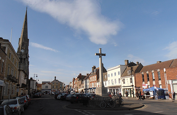 St Ives High Street, the War Memorial, and the RNA Stall