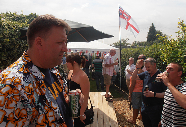 S/M Pete Aston welcomes shipmates and guests