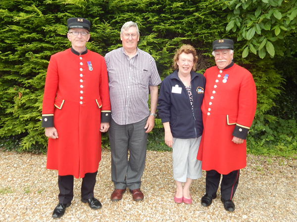 Shipmates Keith & Maureen Ridley with the Chelsea Pensioners